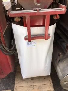 Bagging grain
